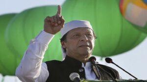 Πρωθυπουργός του Πακιστάν: Οι γυναίκες είναι υπεύθυνες για τους βιασμούς!